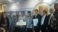 Profesor X-Ray dan Sel Punca Dianugerahi Habibie Award