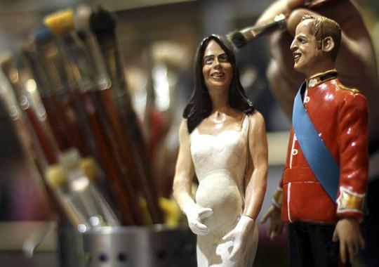 Ini Dia Patung Miniatur Kate Middleton Hamil