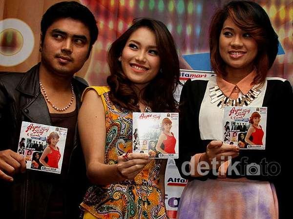Ayu Ting Ting Rilis Single Happy di Album Kompilasi