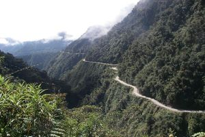 Death Road dan 5 Jalan Paling Maut di Dunia