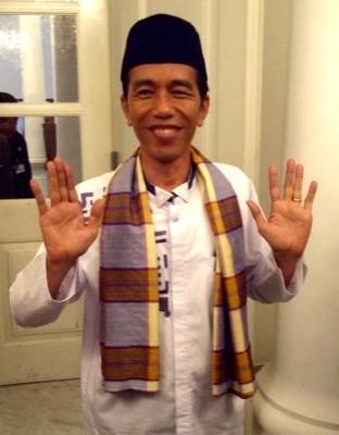 Jokowi Baju Betawi Lebih Enak Dari Seragam Lainnya