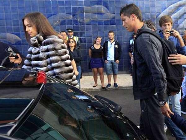 Cristiano Ronaldo Tampil dengan Kekasih di Awal Tahun