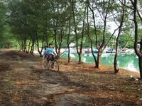 Bersepeda di Bukit Matahari