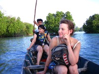 Menjelajah hutan mangrove