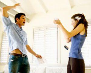 Tanda Pria Berpotensi Melakukan Kekerasan Pada Kekasihnya