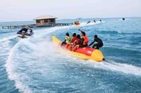 Naik banana boat di Pulau Tidung
