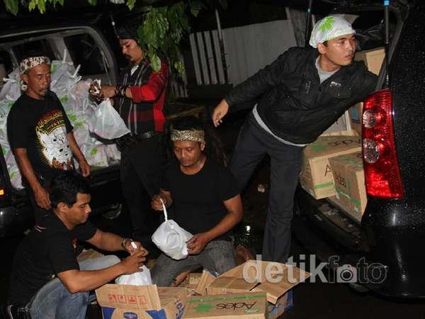 Limbad Bantu Korban Banjir di Jakarta