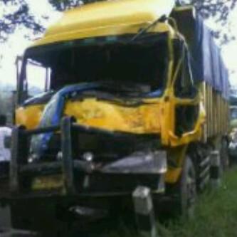 Sopir Truk Fuso yang Tabrak 23 Kendaraan di Sumedang, Kabur ke Sawah