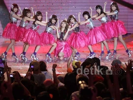 Cherrybelle Rayakan Ultah Ke-2 Bersama Twibi-Twiboy