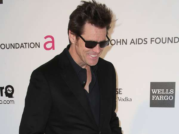 Kaki Raksasa Jim Carrey yang Sensasional