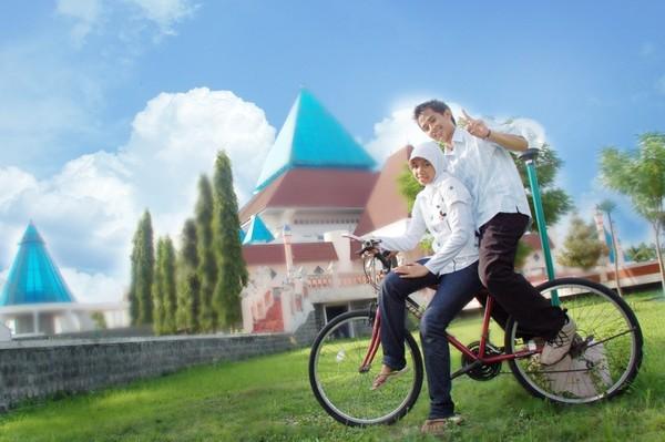 bersepeda di wilayah masjid An Nur