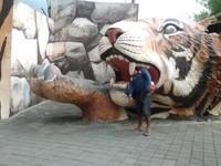 awas dimakan singa