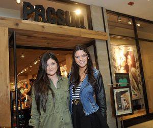 Ikuti Kardashian Bersaudara, Kendall dan Kylie Jenner Jadi Desainer