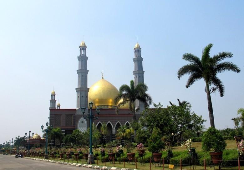 Masjid Kubah Emas di Depok (Shafa/detikTravel)