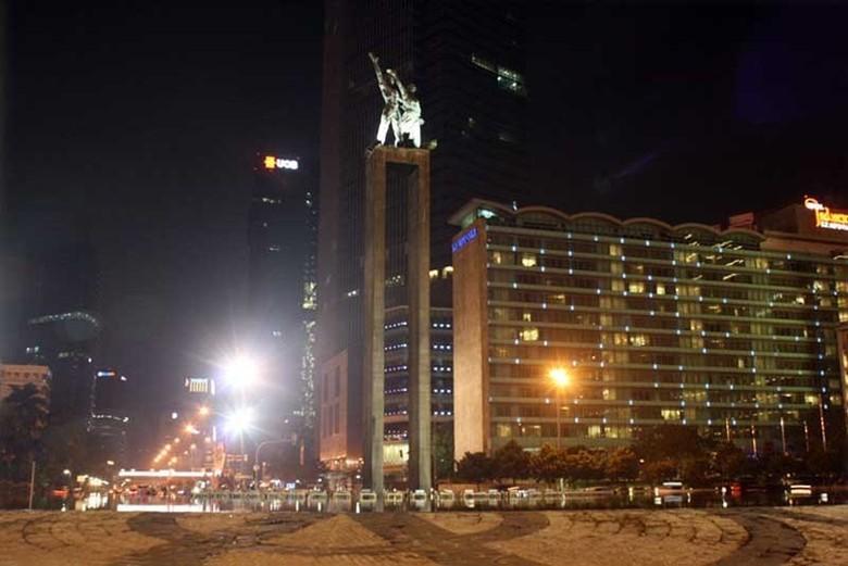 Bundaran HI pada malam hari (Desi/detikTravel)