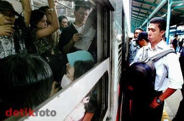PT KAI: Harga Per Stasiun Lebih Fair, Agar Warga Banyak Naik KRL