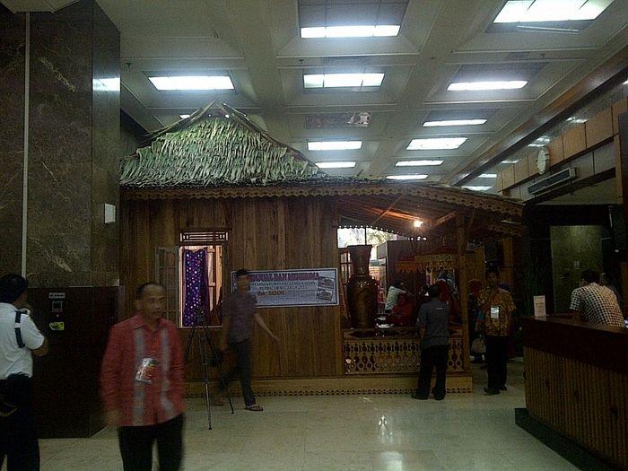 Desain Interior Rumah Panggung Minimalis  bisnis rumah bongkar pasang seharga rp 45 juta unit