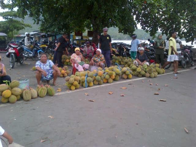 Yuk! Pesta duren di Ternate (Ken/detikTravel)
