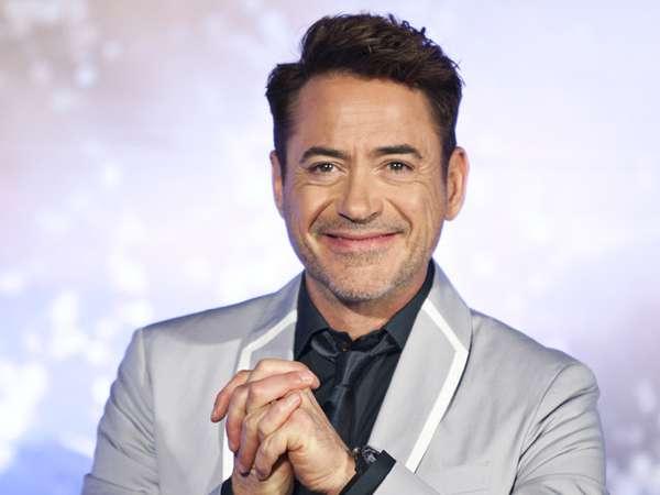 Senyuman Robert Downey Jr. di Seoul
