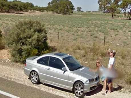 lagi ml di depan mobil pasangan terekam google