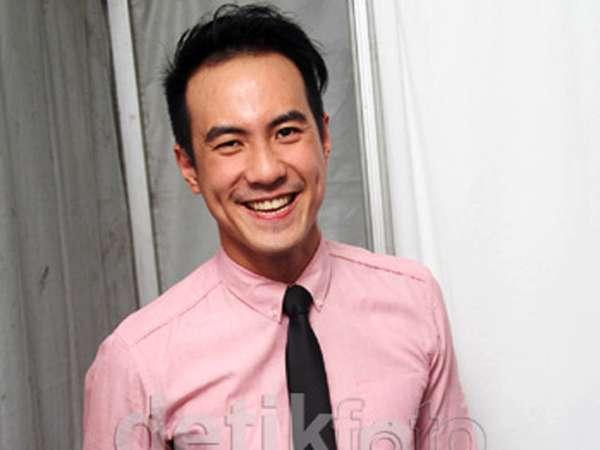 Ketika Selebriti Pria Indonesia Berbaju Pink