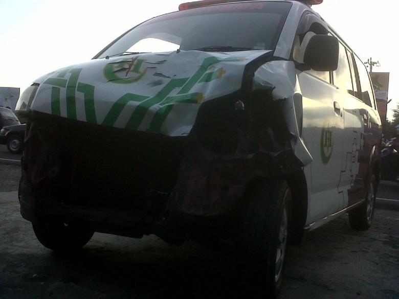 Ambulans yang Tabrakan dengan Harley di Yogya Tengah Membawa Jenazah