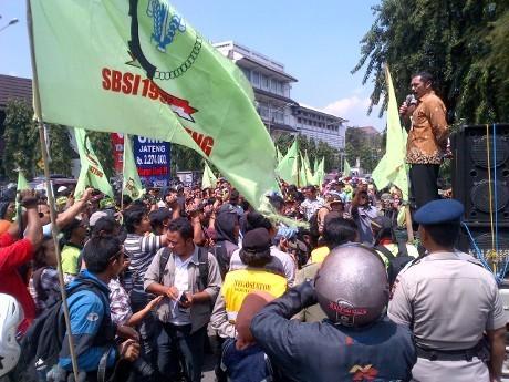 Wali Kota Surakarta Gabung dalam Aksi Buruh