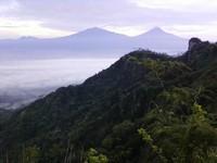 Panorama dari Puncak Suroloyo