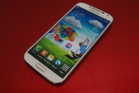 Samsung Galaxy S4: Android Bertenaga yang Serba Ada
