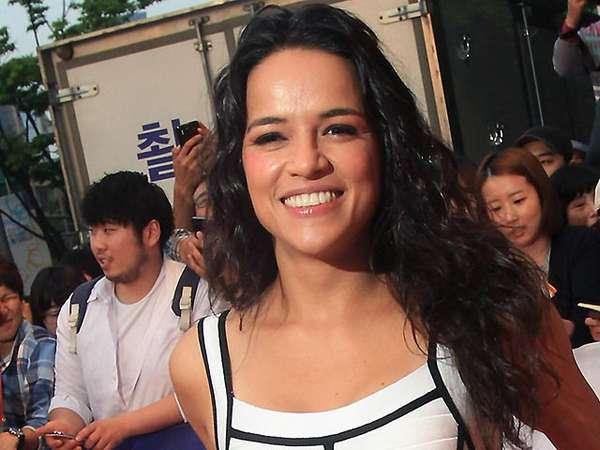 Senyuman Michelle Rodriguez di Premiere Fast & Furious 6