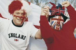 Aneka Kelakuan Konyol Turis Inggris Bikin Pusing Kedubes