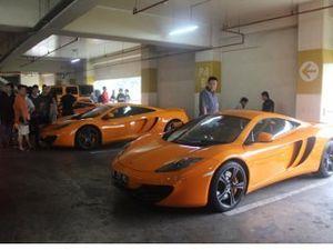 Pengguna Mobil Super Nobar Fast & Furious 6