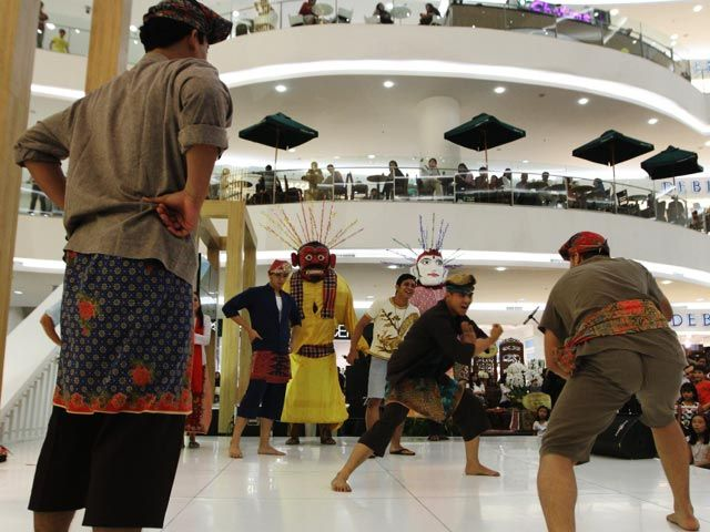 Gambang Kromong Mentas di Mall