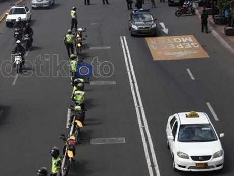 Lajur khusus motor di Jalan MH Thamrin
