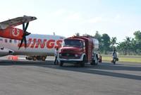 Pesawat Wings Air sedang mengisi bahan bakar