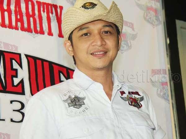 Topi Cowboy Pasha Ungu