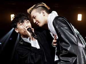 Aksi G-Dragon dan Seungri di Konser One of A Kind Bangkok