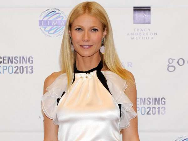 Blouse Berenda Gwyneth Paltrow