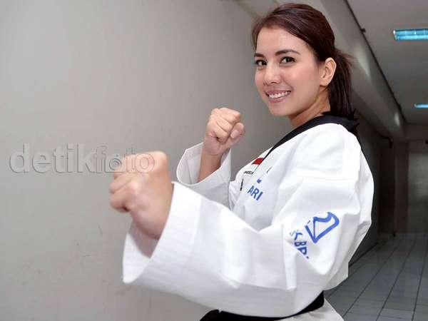 Tya Ariestya, Si Cantik yang Jago Taekwondo