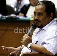 Luthfi Hasan Ishaaq & Fathanah Jalani Sidang Perdana
