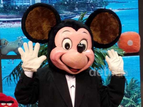Ketika Jeremy Teti Jadi Mickey Mouse