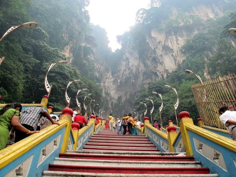 Anak tangga di Batu Cave (Shafa/detikTravel)
