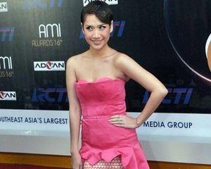 Fashion Do\s & Don\ts: Seleb Indonesia Berbusana Terbaik & Terburuk di AMI Awards