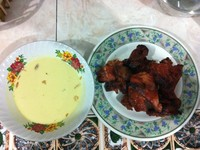 Menu Utama Ayam Panggang dan Santan
