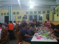 Suasana Rumah Makan Ramai