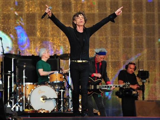 The Rolling Stones Gebrak Panggung Hyde Park