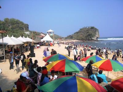 Pantai Indrayanti di Gunungkidul, Suasananya Seperti di Bali