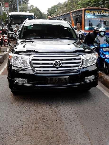Dipukul Pengemudi Mobil Mewah, Penjaga Busway: Kita Pasrah, Orang Kecil
