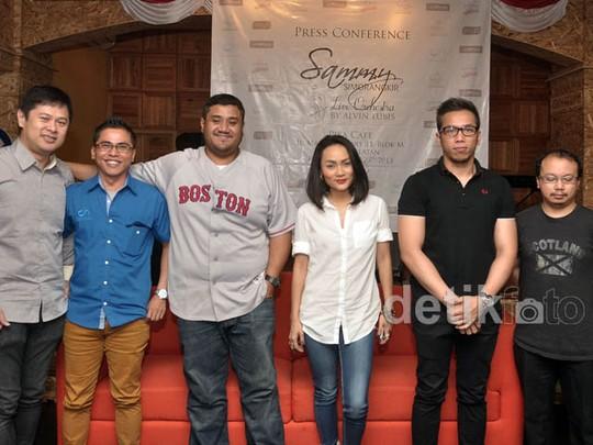Para Musisi Ramaikan Konser Tunggal Sammy Simorangkir