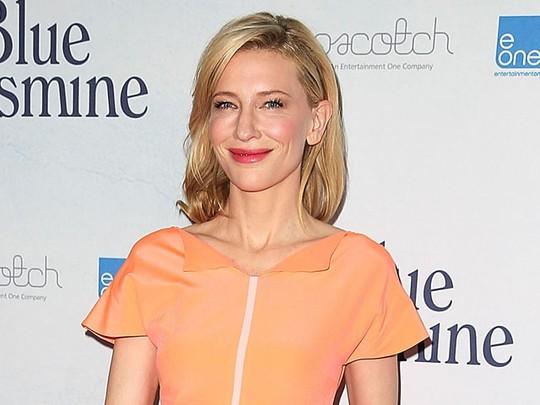 Pesona Cate Blanchett di Usia 44 Tahun